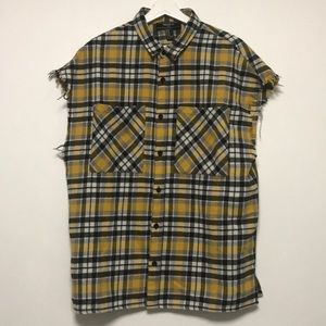 FOREVER 21 BLACK AND YELLOW RAW SLEEVELESS FLANNEL